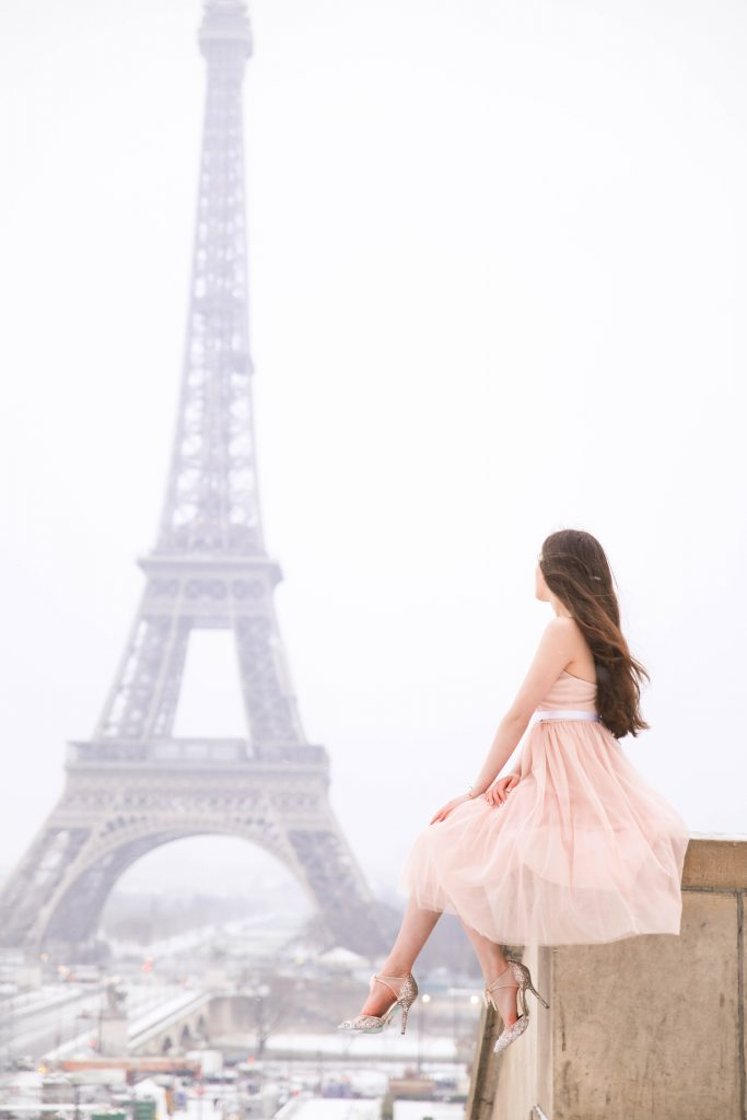 Morning Lavender pink tulle dress girl with long hair Paris Eiffel Tower photo inspiration Paris Fashion Week look Trocadero