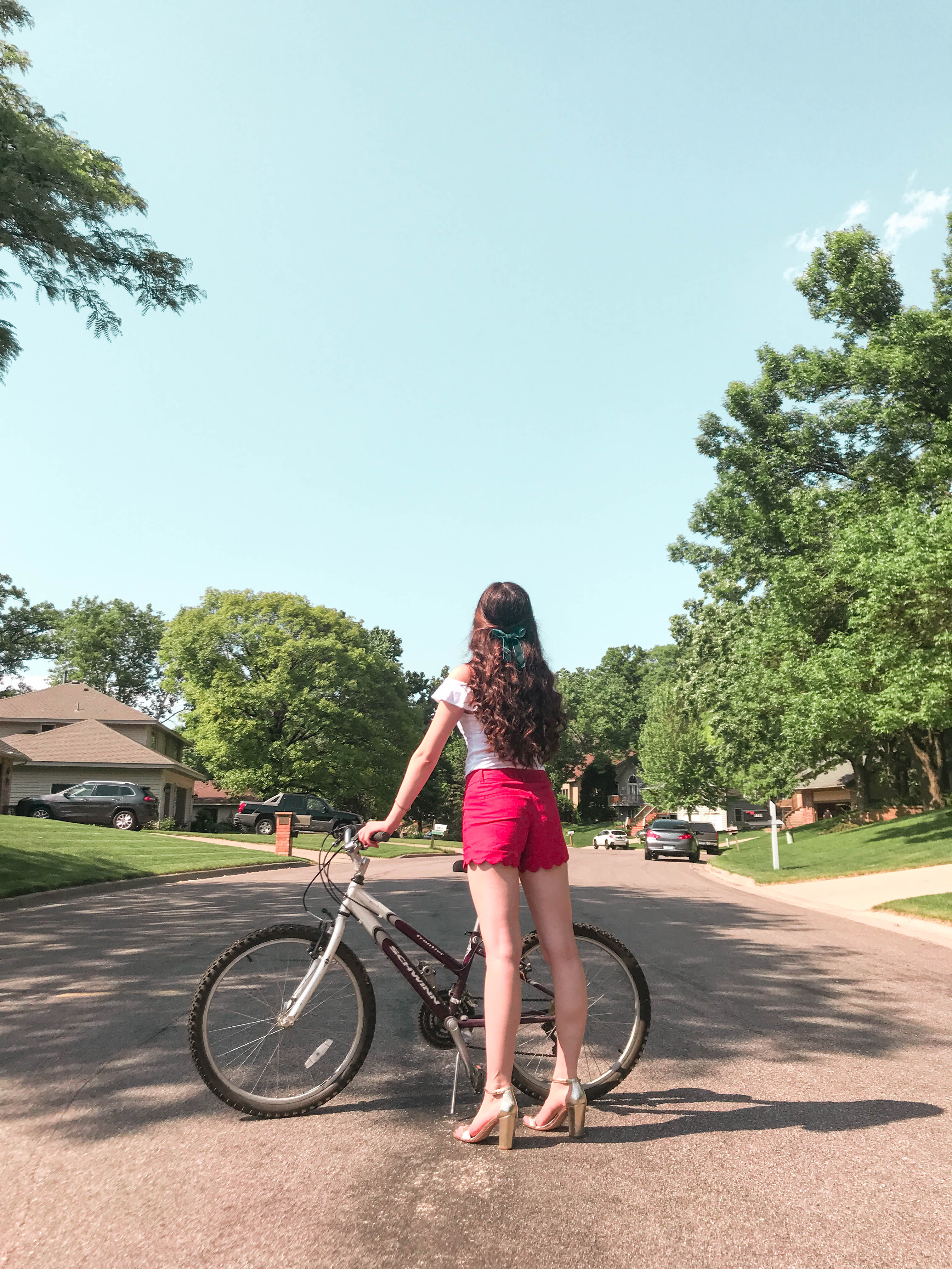 j crew factory j. crew jcrew scallop short shorts white lilly pulitzer alessa top girl with long brown curled hair curly and bicycle gold metallic chunky block heels velvet blue bow red white