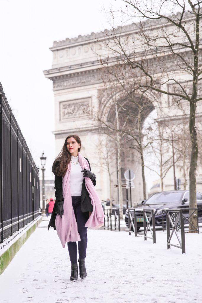 Eva Phan of Eva Darling Arc de Triomphe 8e arrondissement Paris France free people kennedy waffle knit scarf lilac paris in the winter classic feminine style what to wear in Paris Parisian style