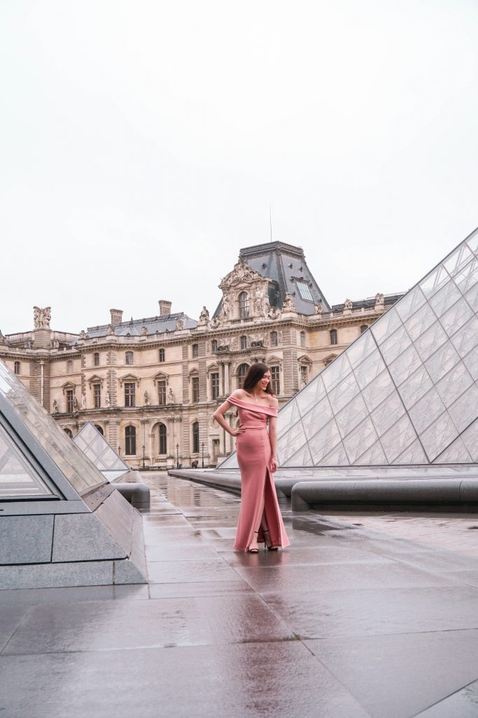 Eva Phan of Eva Darling Louvre Museum Musée du Louvre Paris France Lulu's Mauve Aveline Gown Loveliness black suede stiletto heel Paris photoshoot photo shoot location idea feminine style