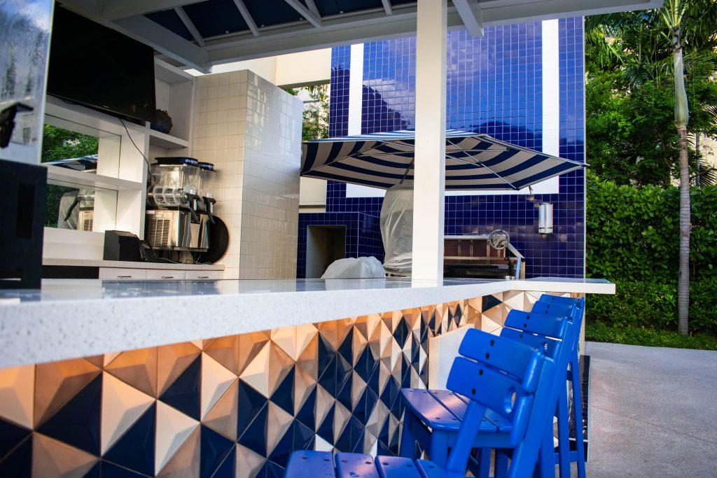 poolside bar Hilton West Palm Beach Hotel Florida