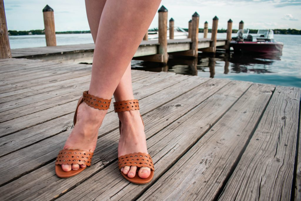 Eva Phan of Eva Darling xoxo clothing trendy summer outfit inexpensive college girl style lake minnetonka wayzata minnesota comfortable summer brown wedge sandals style travel blogger