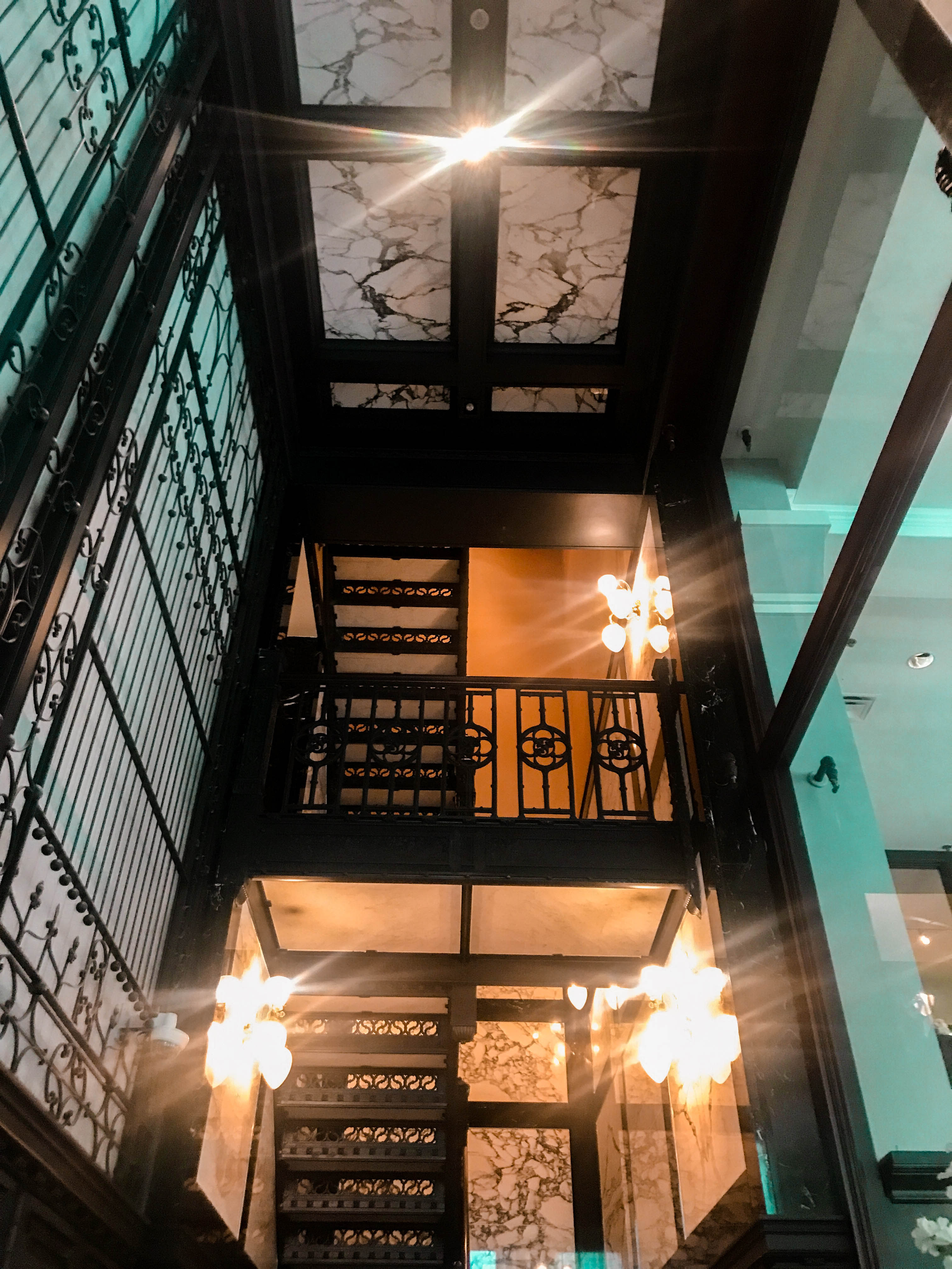 StayPineapple chicago boutique hotel staircase the loop