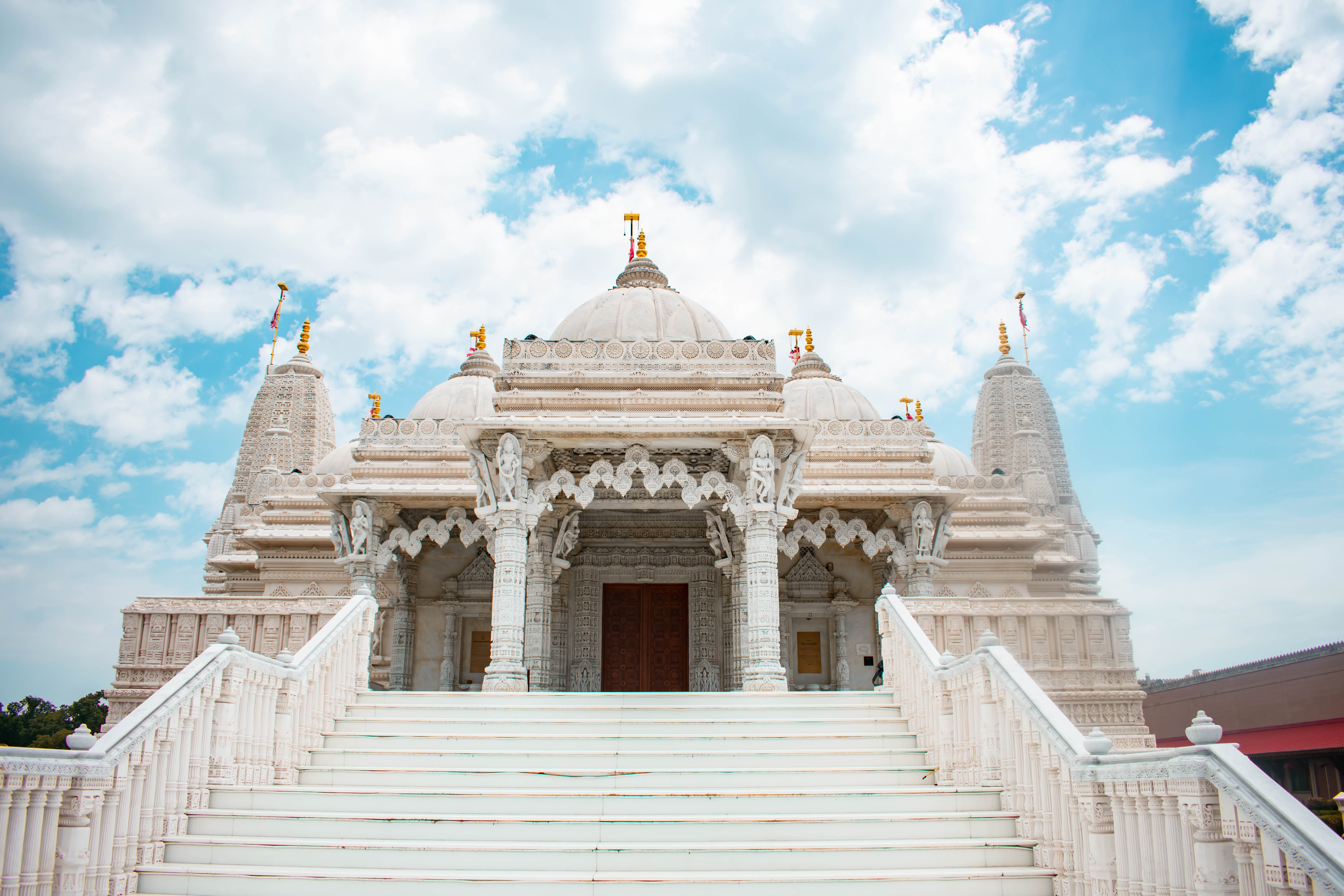 temple entrance baps shri swaminarayan mandir in bartlett chicago illinois hindu temple