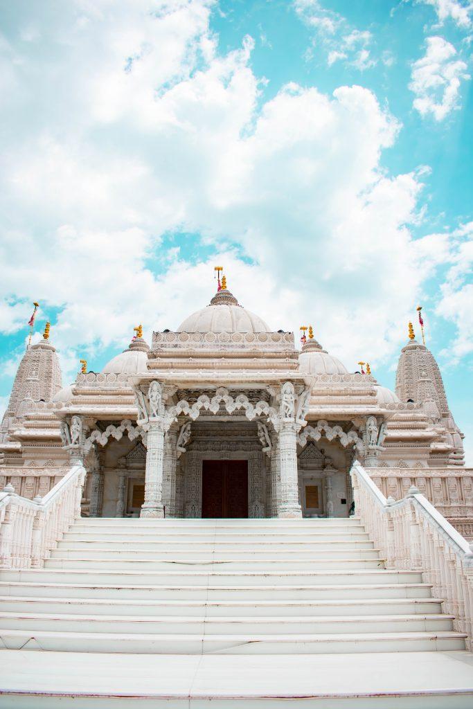 baps shri swaminarayan mandir hindu indian temple chicago illinois