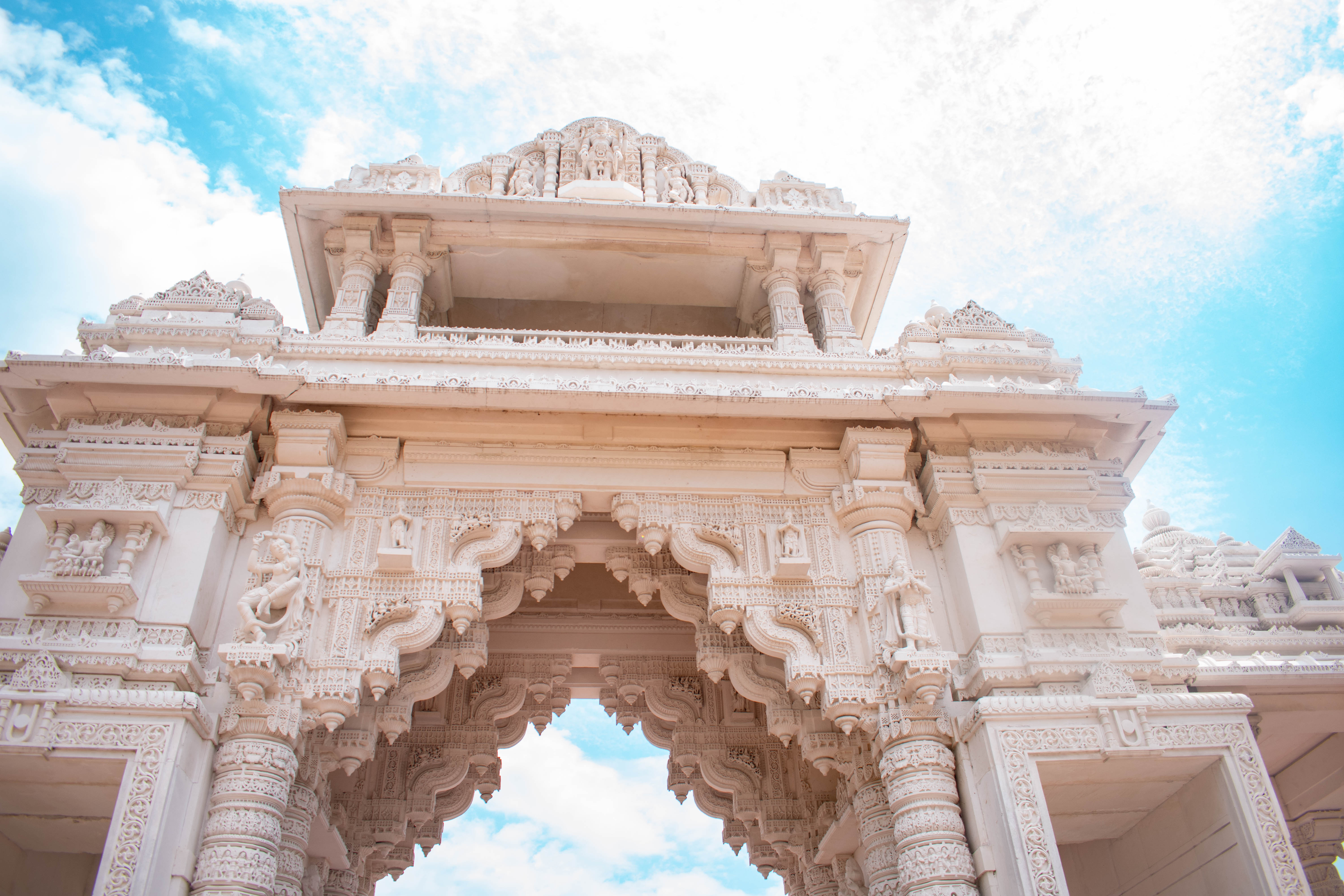 baps shri swaminarayan mandir hindu temple bartlett illinois chicago indian architecture