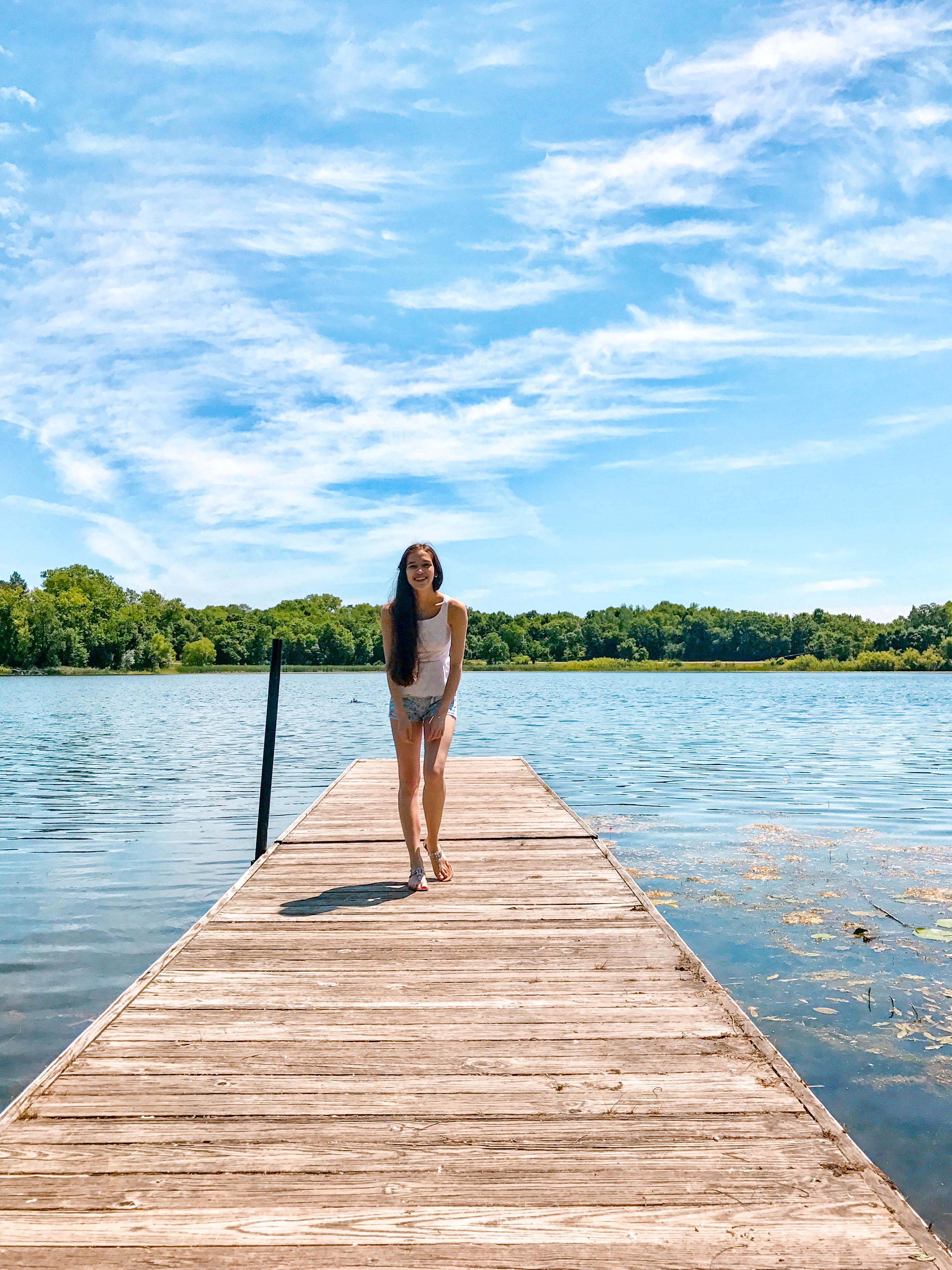 eva phan eva darling travel blogger bush lake bloomington minnesota travel guide where to go in the twin cities lilly pulitzer get nauti liza short