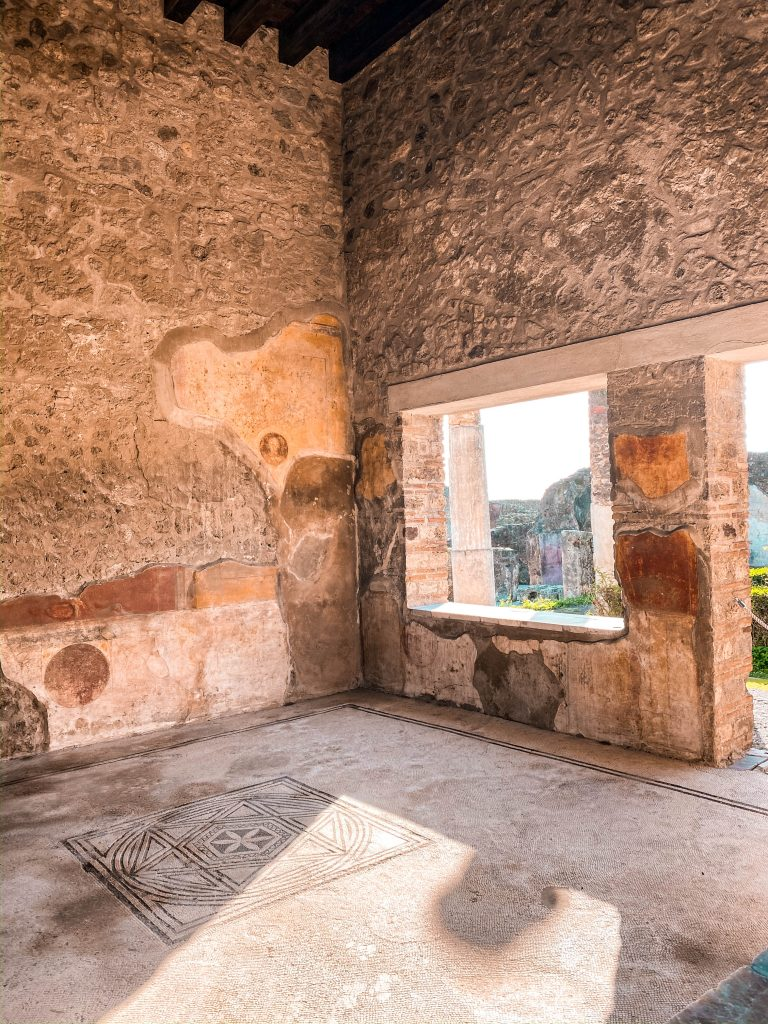 pompeii ruins unesco world heritage site house casa paintings naples italy