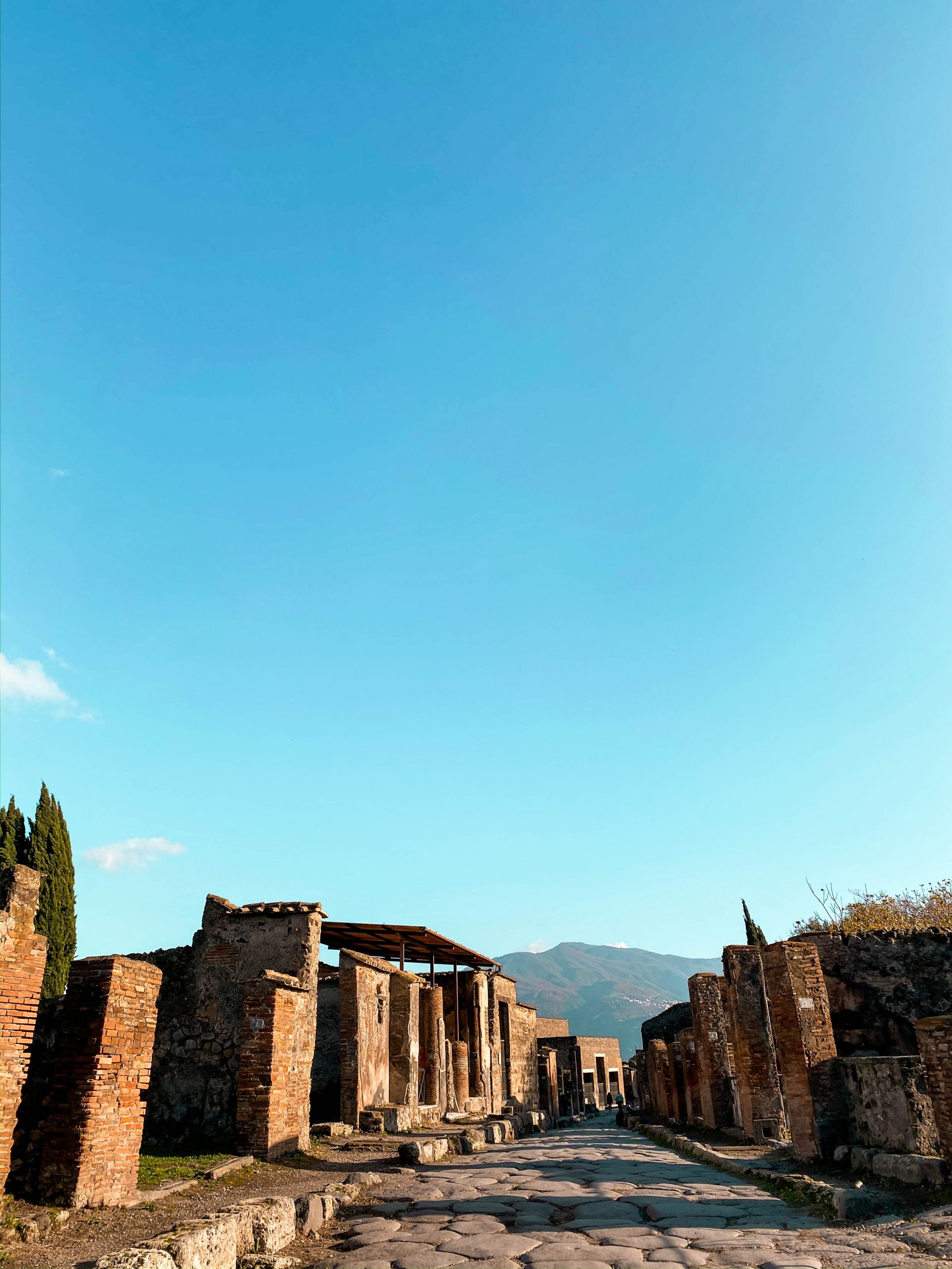pompeii ruins ancient city italy neoclassicism neoclassical roman architecture UNESCO world heritage site how to visit pompeii from the amalfi coast mount vesuvius