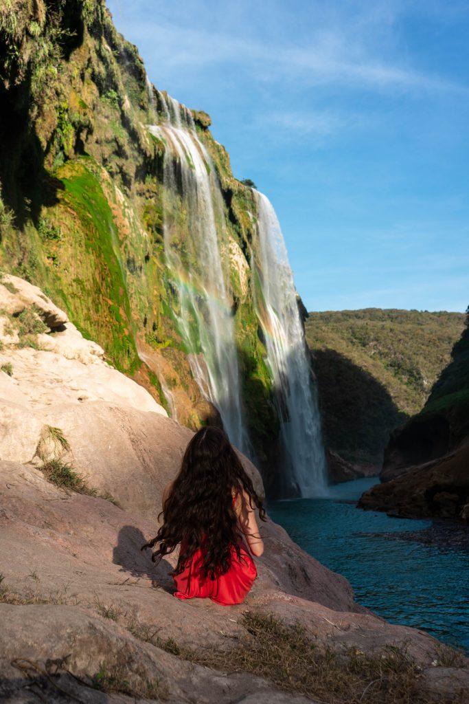 cascada de tamul la huasteca potosina san luis potosi mexico canyon waterfall rainforest long brunette hair curled eva phan