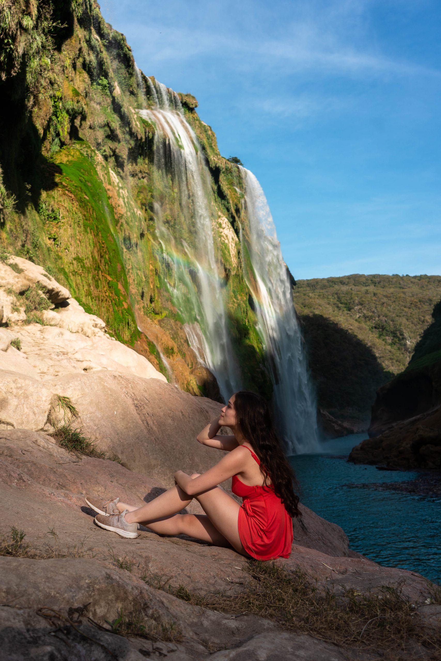 cascada de tamul la huasteca potosina san luis potosi mexico canyon waterfall rainforest apl techloom pro sneaker long brunette hair curled eva phan hiking
