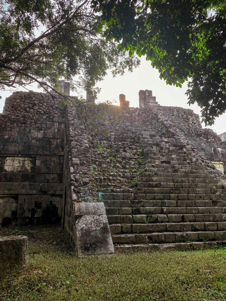 mayan temple ruins chichen itza