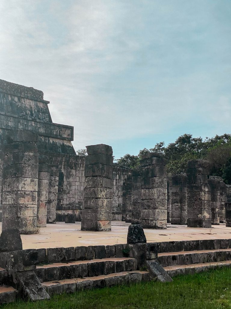 temple of the warriors chichen itza mayan ruins yucatan mexico