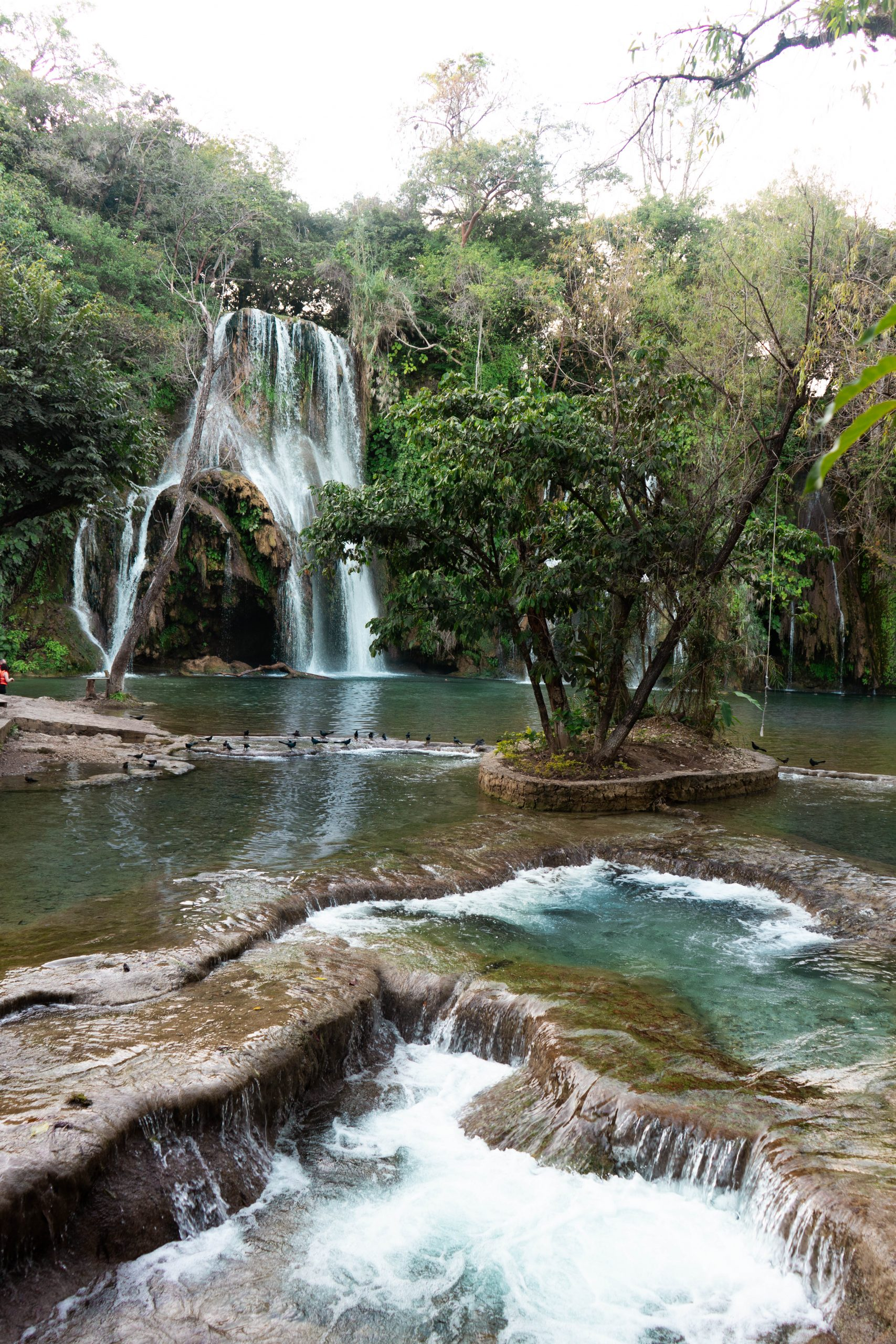 cascadas de tamasopo san luis potosi la huasteca potosina mexico waterfalls rainforest blue water