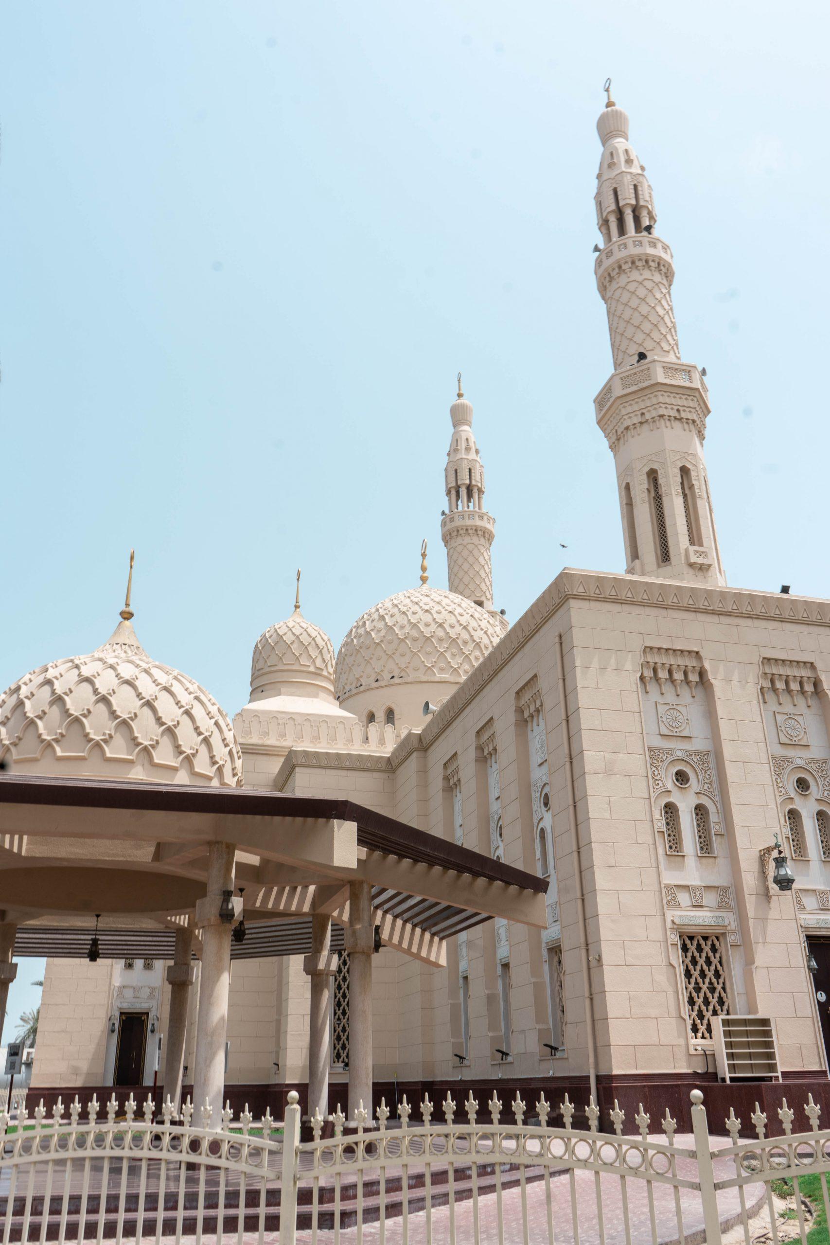jumeirah mosque dubai uae united arab emirates masjid entrance