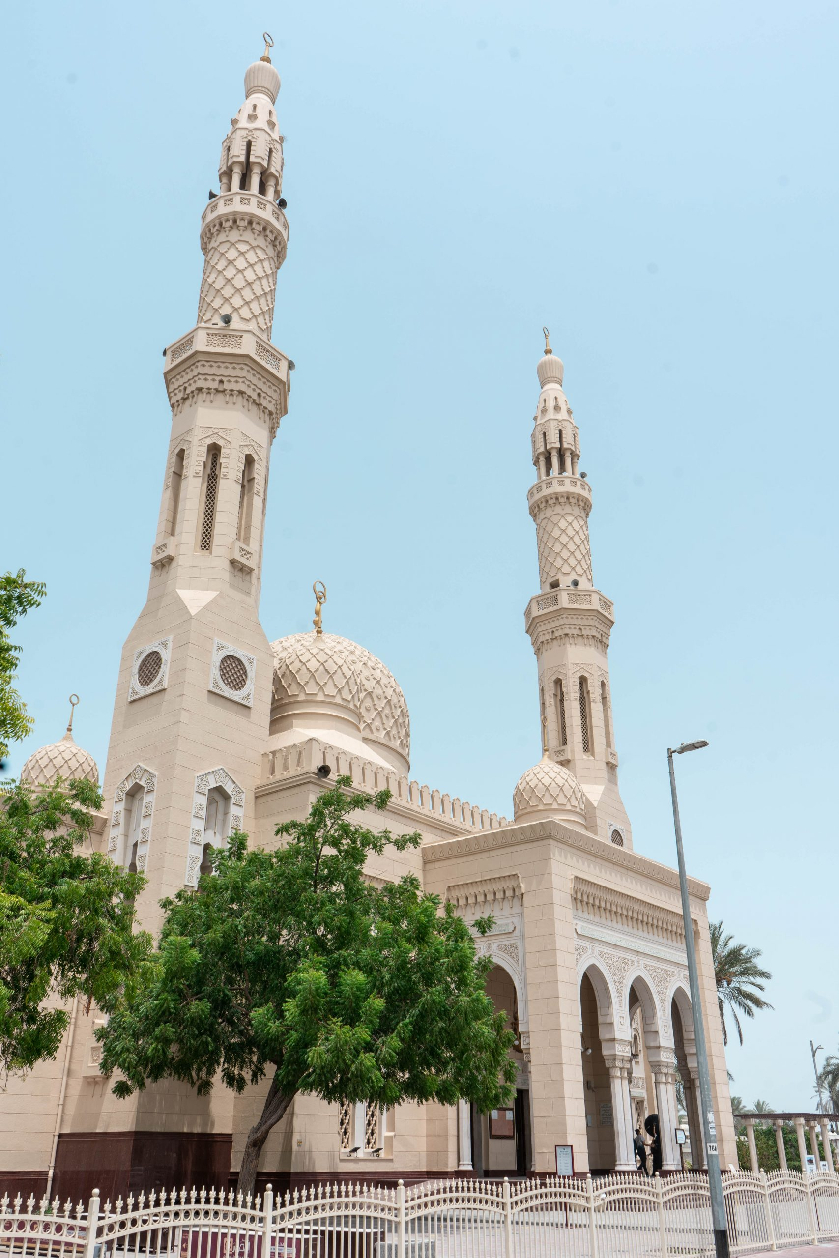 jumeirah mosque fatimid architecture dubai uae united arab emirates masjid