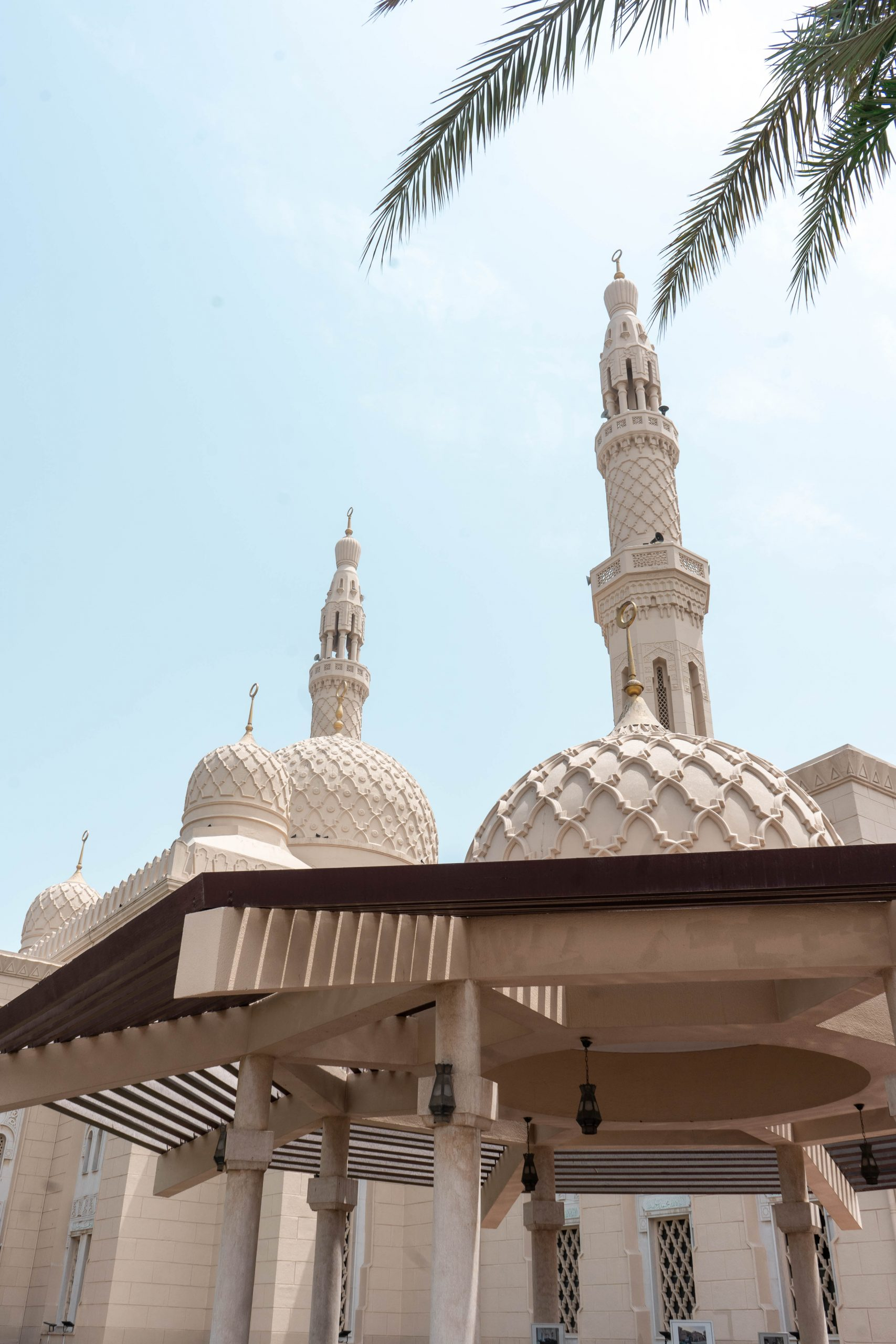 jumeirah mosque fatimid architecture dubai uae united arab emirates masjid entrance