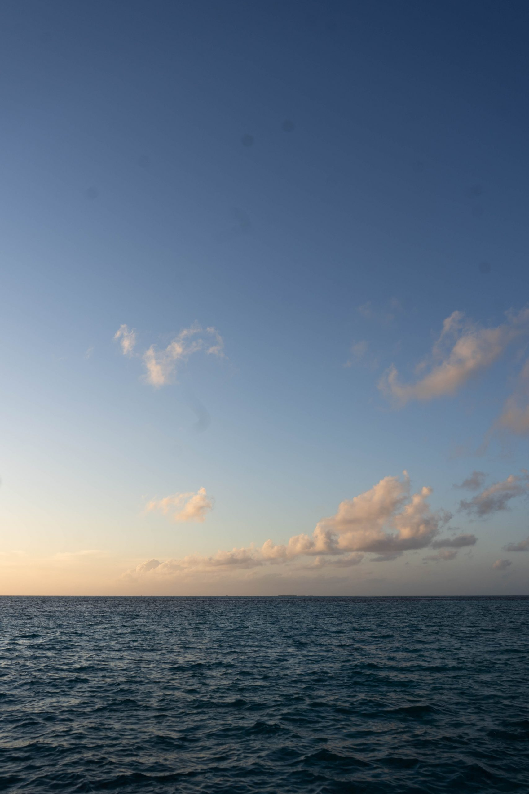 sunset indian ocean golden hour pink clouds